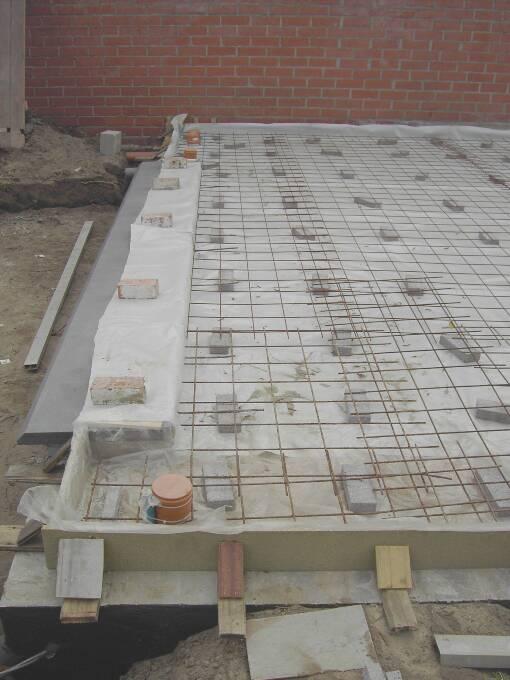 Klaarmaken voor het gieten van een gepolierde betonvloer doehetbeterzelf - Hoe amenager zijn garage ...