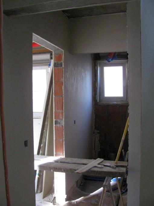 Een muur in de wc is ook gedaan.