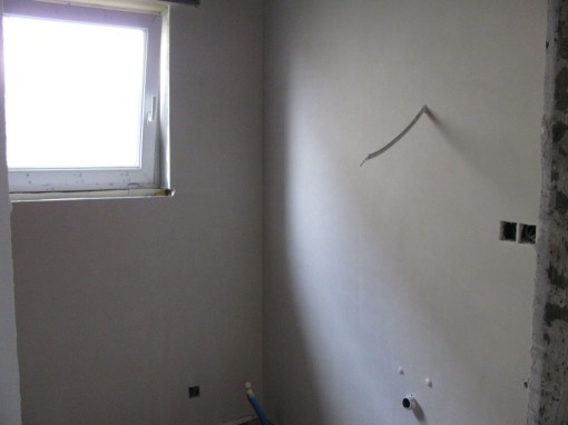 In de badkamer 2 muren gedaan
